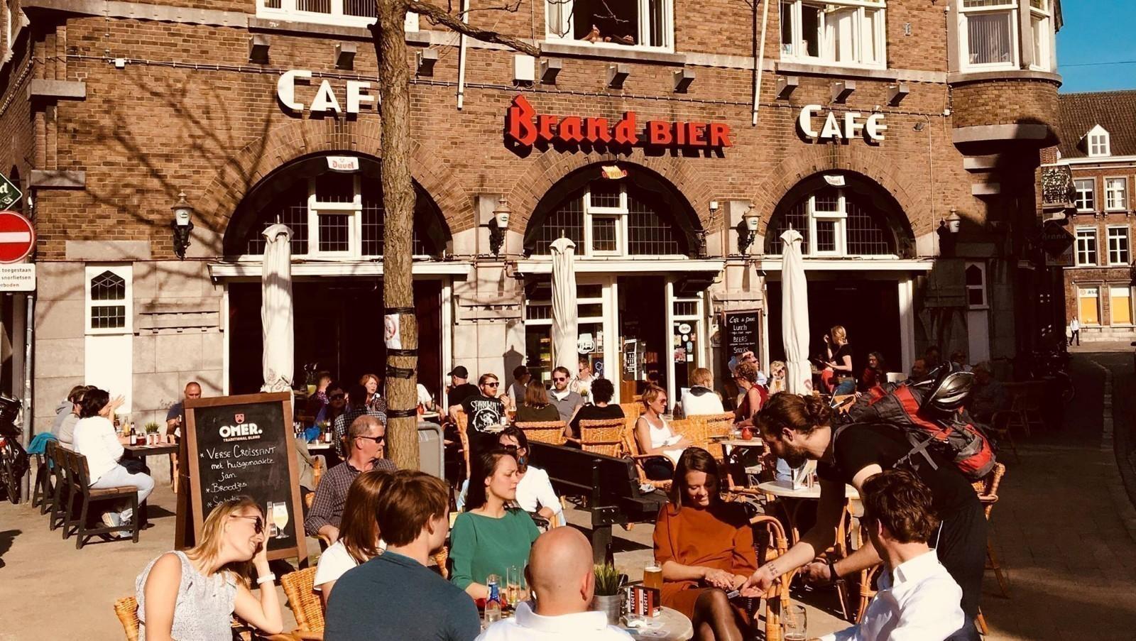 Caf de poort maastricht caf de poort maastricht for Cafe de poort utrecht